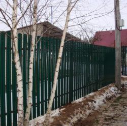 Забор из евроштакетника-8
